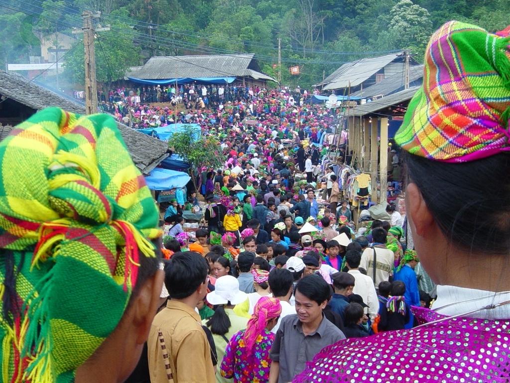 Khau Vai love market – famous one in Meo Vac, Ha Giang -