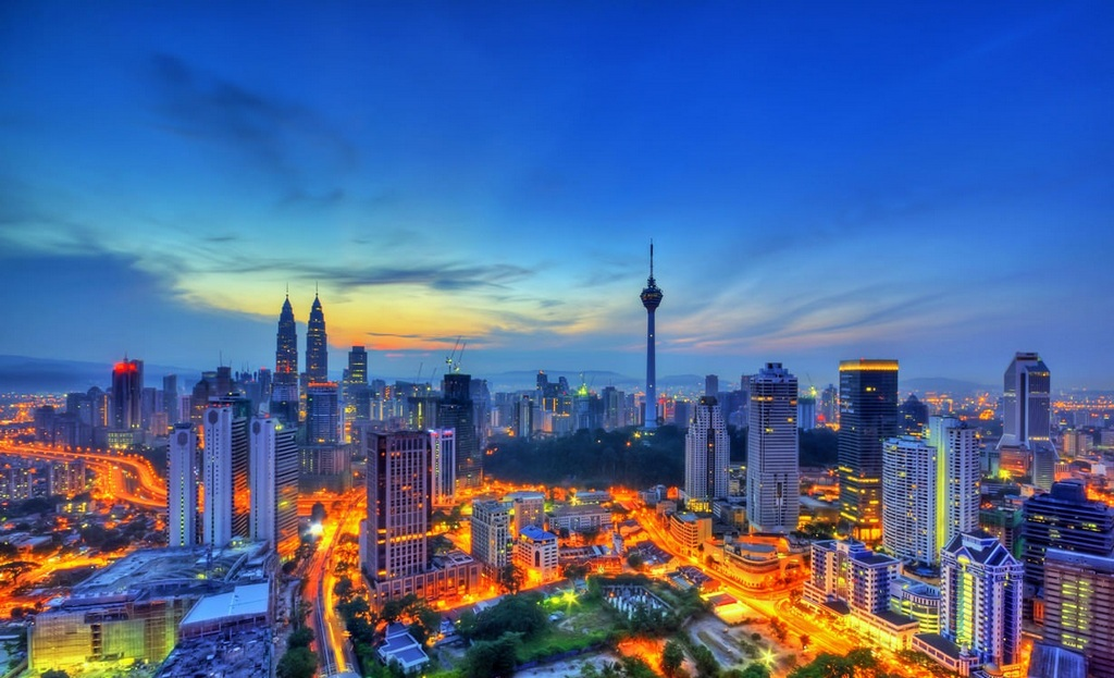 Kuala Lumpur doesn't sleep. source: malaysia-maps.com.