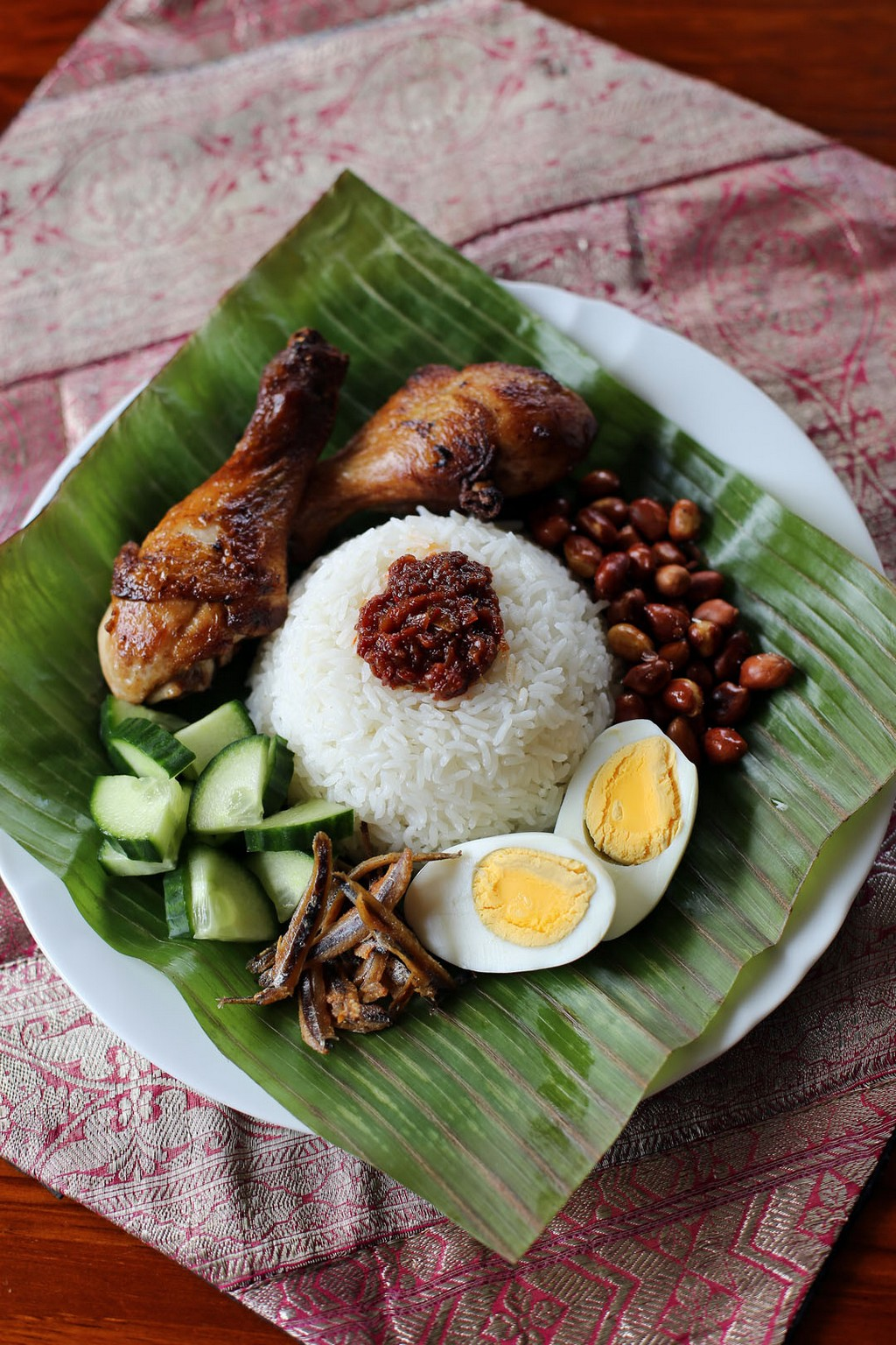 Nasi Lemak. Source: angsarap.net.