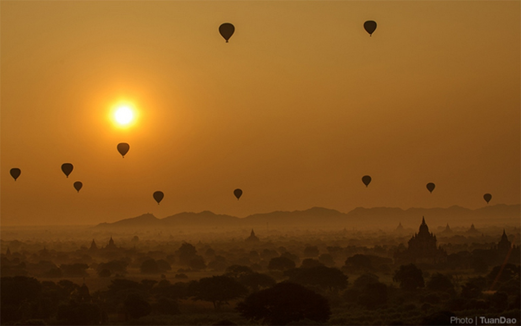 One of the moments not to be missed while in Bagan_Bagan travel guide_source: Tuan Dao