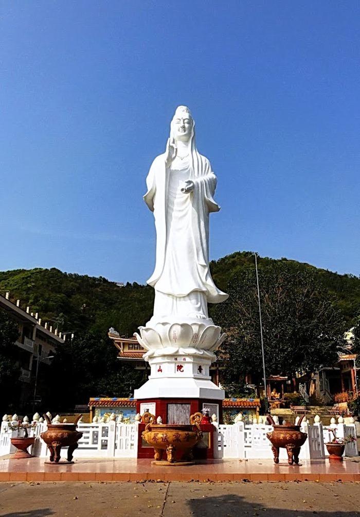 The Avalokitesvara Bodhisattva statue