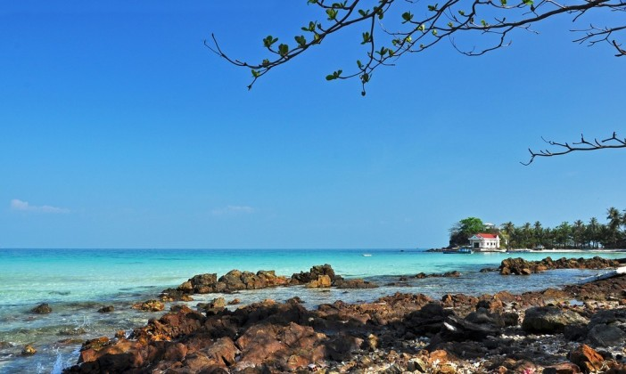 Rocky reefs on Nam Du islands