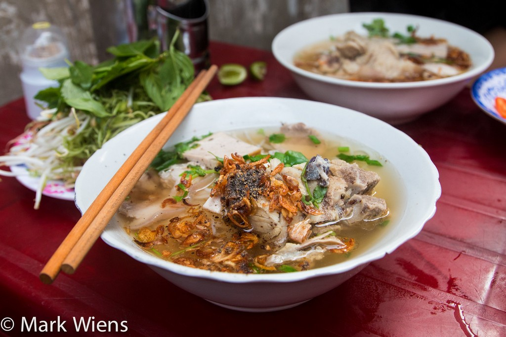 Sai Gon Street Food (Bún mọc)- a simple soothing bowl of Vietnamese noodle