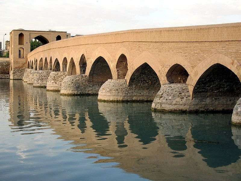 Shahrestan bridge – Photo: wiki