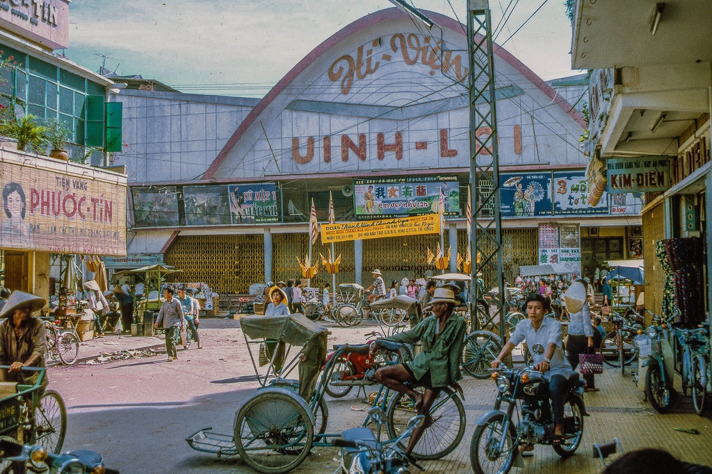Shopping district in eastern My Tho (Dinh Tuong Province, Vietnam) in the year 1969.