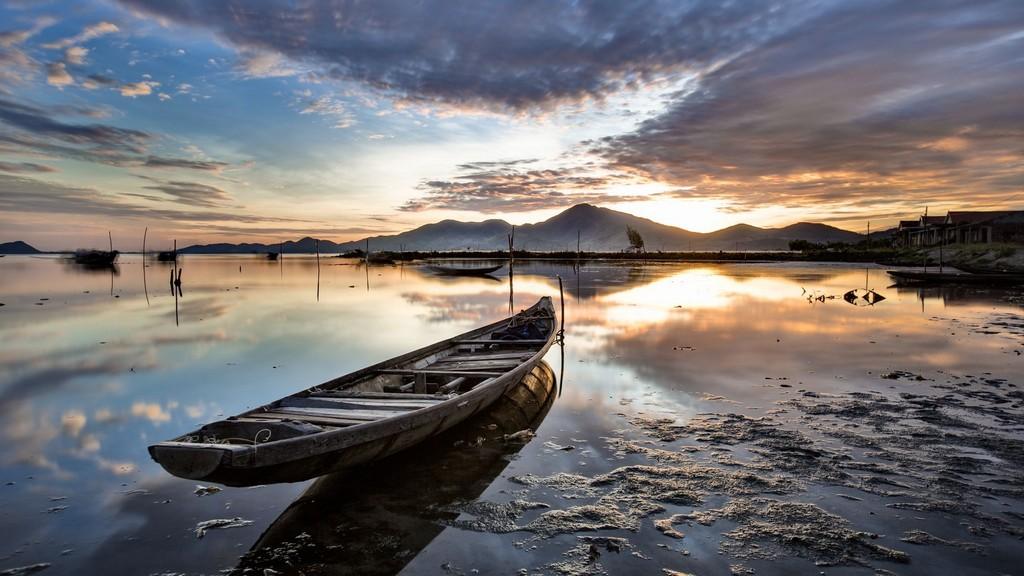 tam giang lagoon hue city