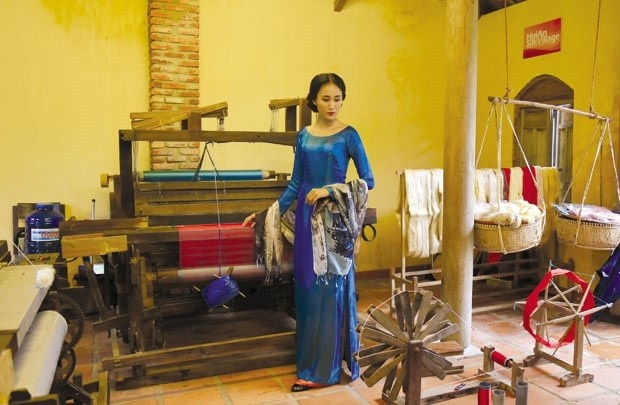 The traditional cloth weaving tools_Hoi an silk village tour guide_ source mytour.vn