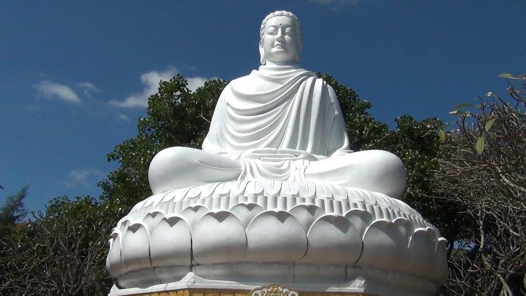 The Shakyamuni Buddha statue