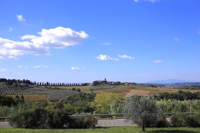 Tuscany-Italy-flatland-view