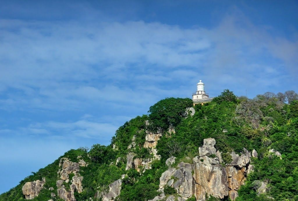 Vung Tau lighthouse can be seen from afar due to its location on top of Small mountain
