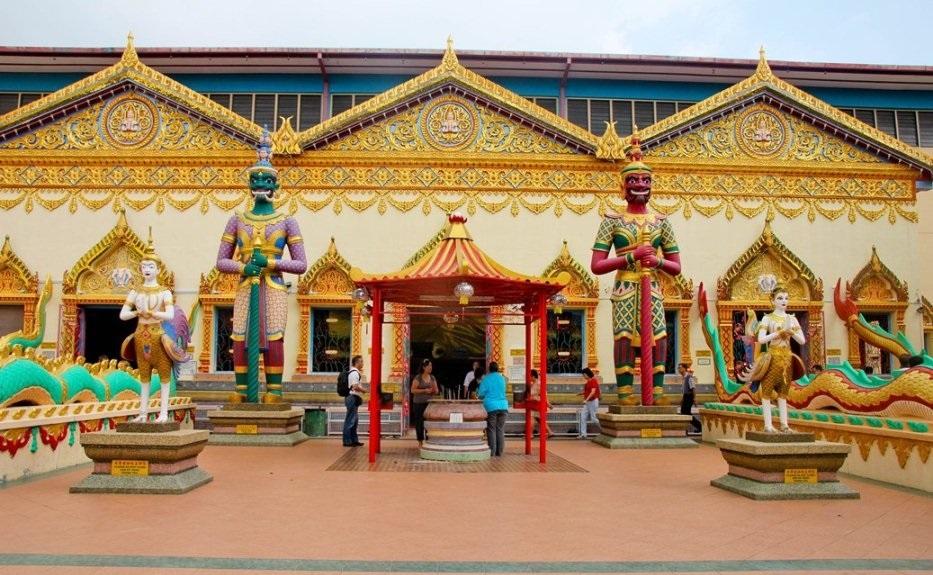 Thai Buddhist temple Wat Chayamangkararam. Source: thechroniclesofmariane.blogspot.com.