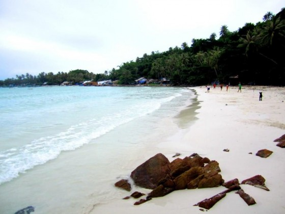 Wild beach on Nam Du Islands