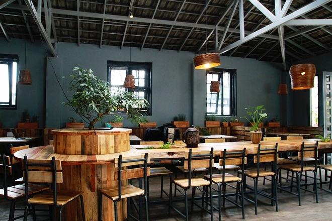 Inside An cafe. Photo: vnexpress
