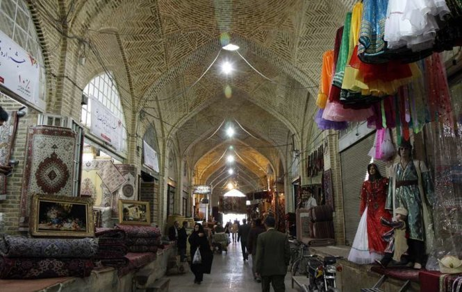 Inside Bazaar-e Vakil market in Shiraz – Photo: wp