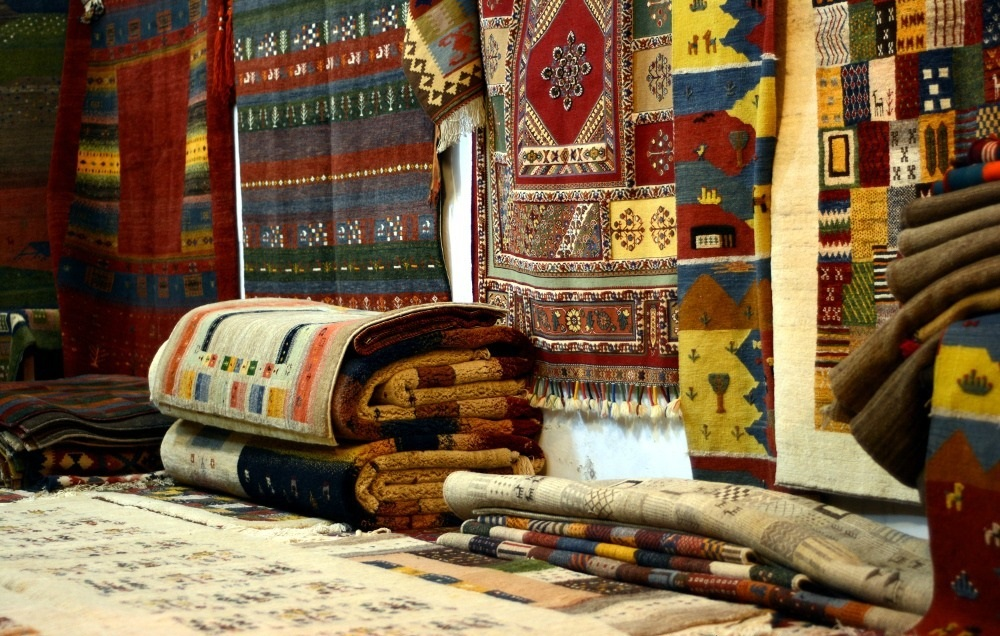 Beautiful carpets at Bazaar-e Vakil market – Photo: chasingtheunexpected.com