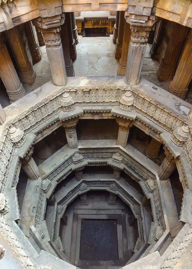 beauty-of-Indias-underground-wells-india