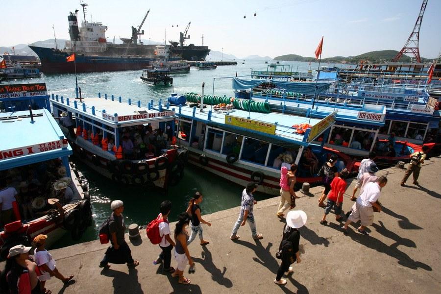 Using boat in Nha Trang. Photo: thuexenhatrang.com.vn