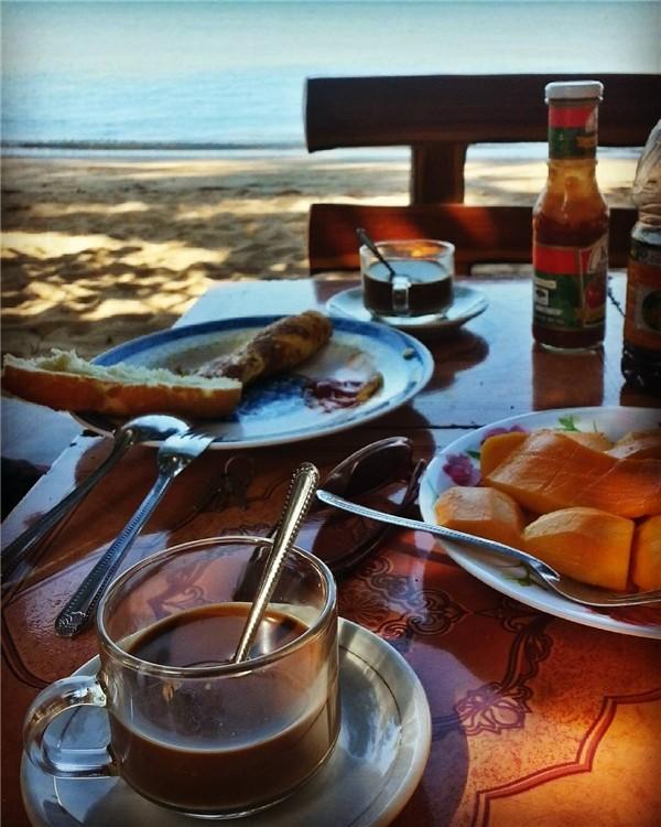 breakfast in koh tonsay island cambodia