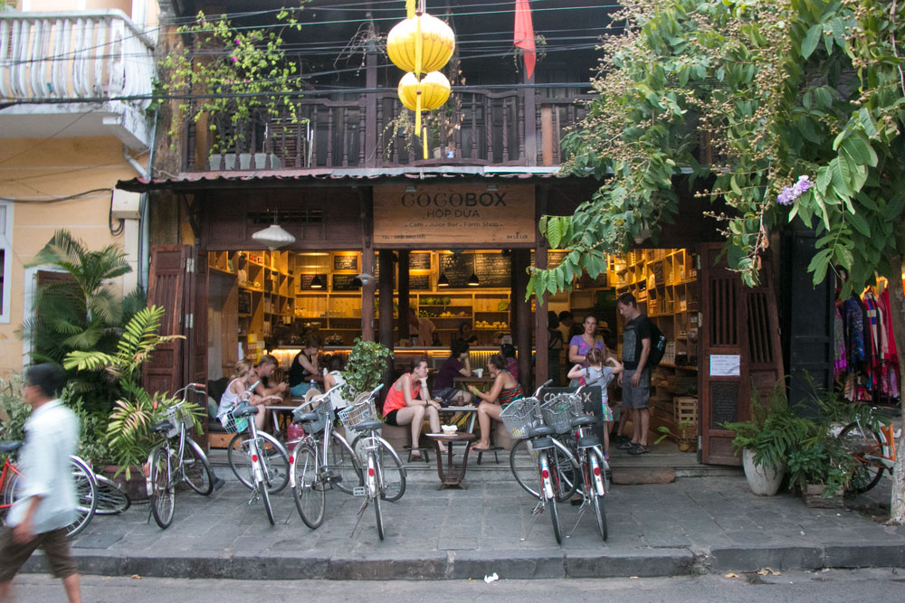Cocobox is a favourite destination for foreign visitors in Hoi An Ancient Town. Photo from Misterweekender.com