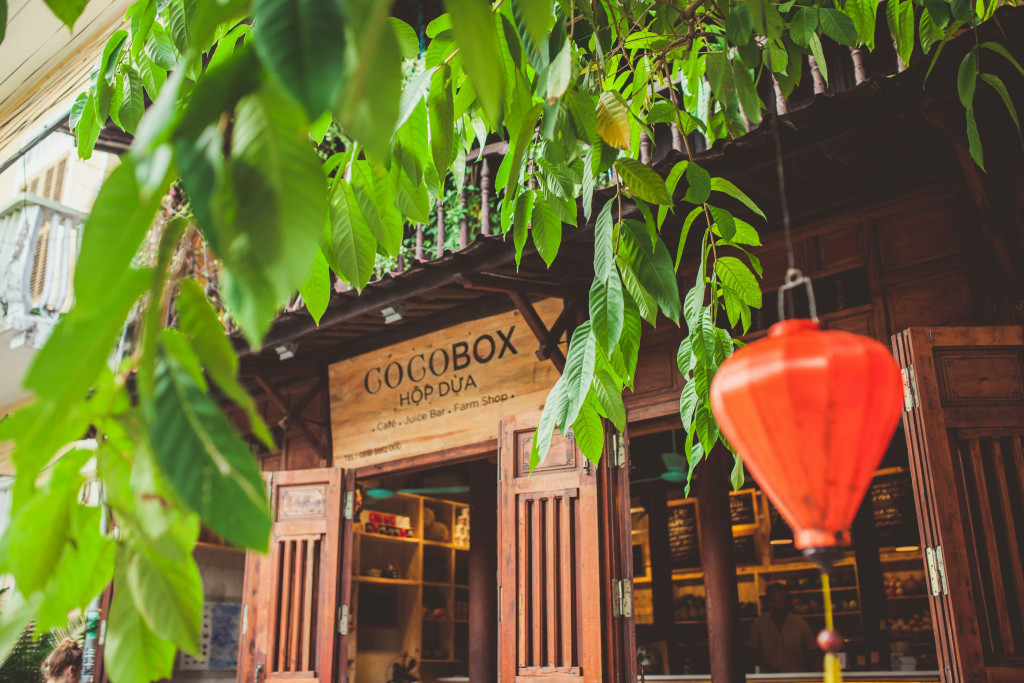 Cocobox is a combination of a café and farm shop, a very popular model in Europe nowadays. Photo from cocoboxvietnam.com