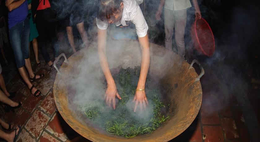 drying tea in moc chau arena village 13