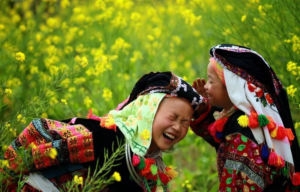 ethnic minority children dong van