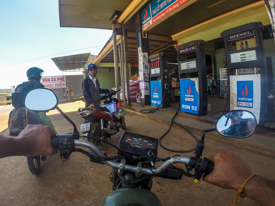 Filling up with petrol, you get about 40km on 1 litre, and 1 litre will cost about 22,000 dong.