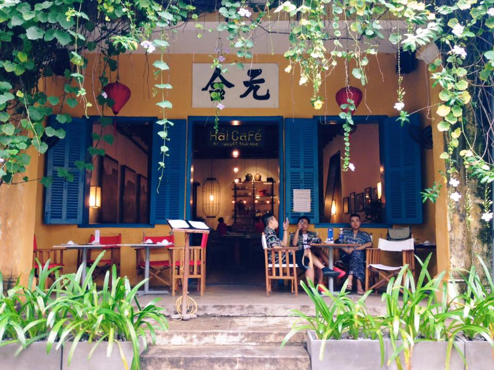 Almost all tourists who come to Hoi An visit Hai cafe at least once. Photo: Le Anh Tu