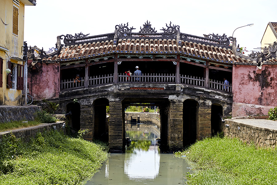 iconic bridge in Hoi An japanese pagoda