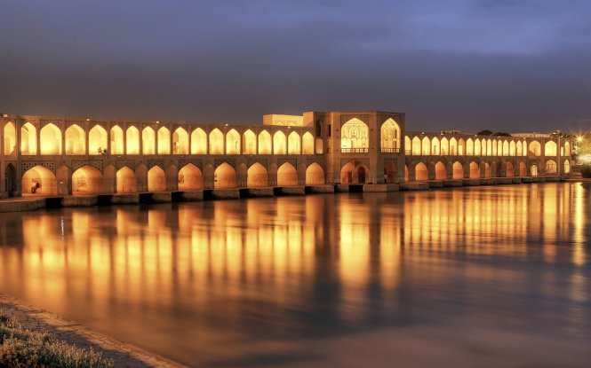 Khaju bridge, one of the must-visit place in Isfahan city – Photo: wp