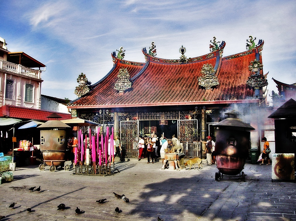 Kuan Yin temple. Source: travel2penang.wordpress.com.
