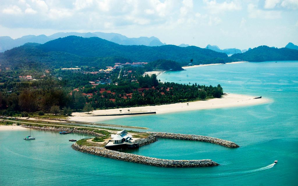 Beautiful Langkawi. Source: globixukm.wordpress.com.
