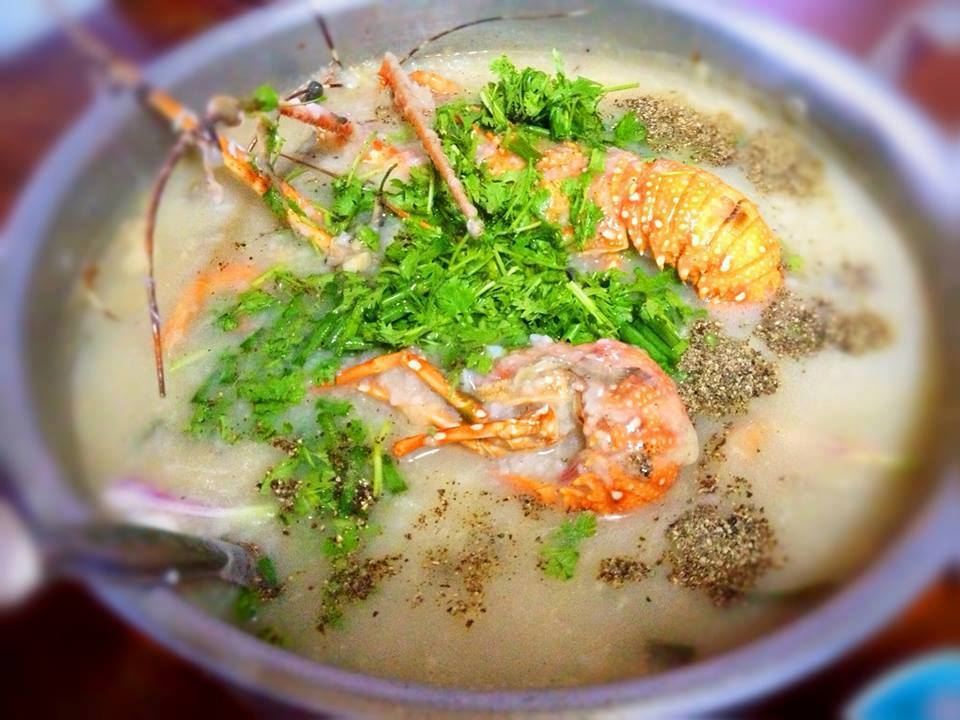 A bowl of delicious lobster congee Photo: vietjetair