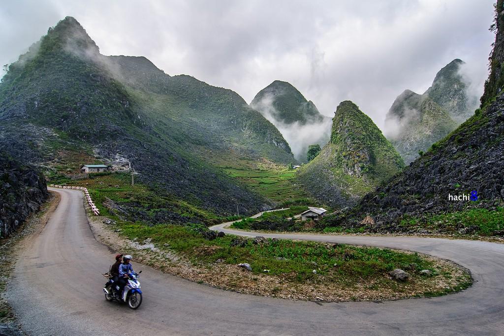 meander in Ha Giang Town