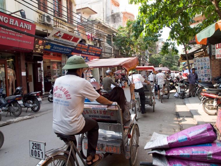 old quarter of hanoi hanoi tourist attractions hanoi tourist information things to do in hanoi selling t