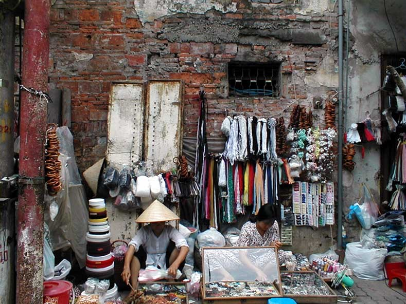 old quarter of hanoi hanoi tourist attractions hanoi tourist information things to do in hanoi selling