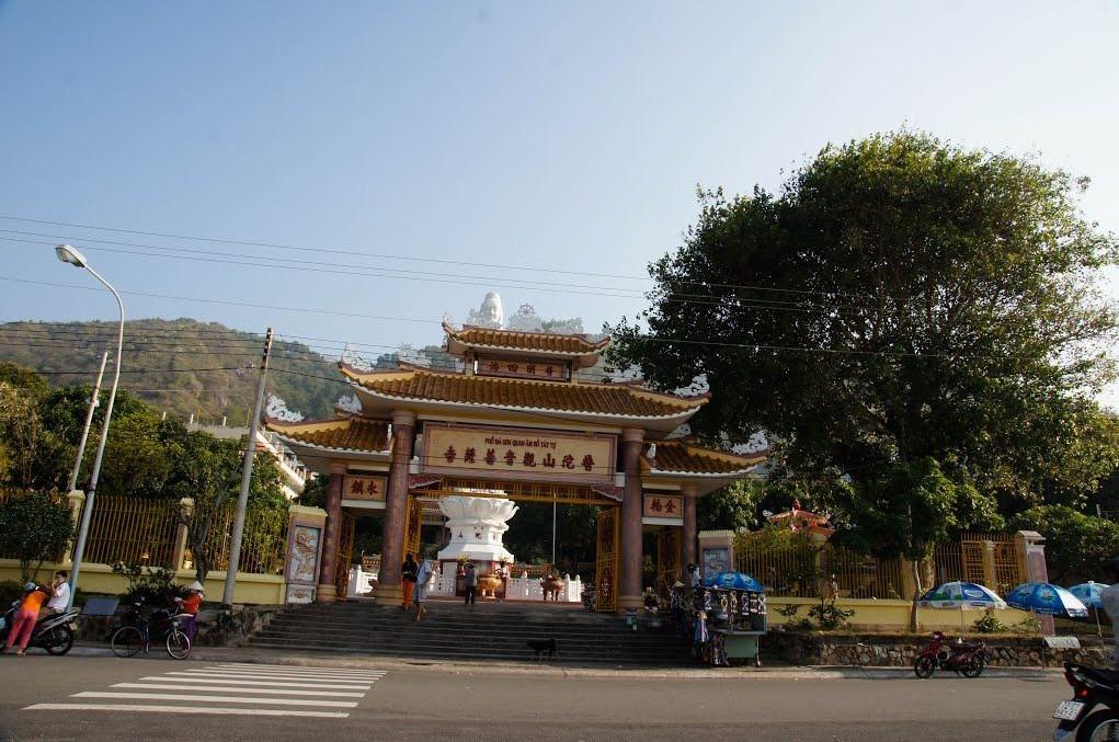 quan the am pagoda vung tau vietnam review guide history address 4