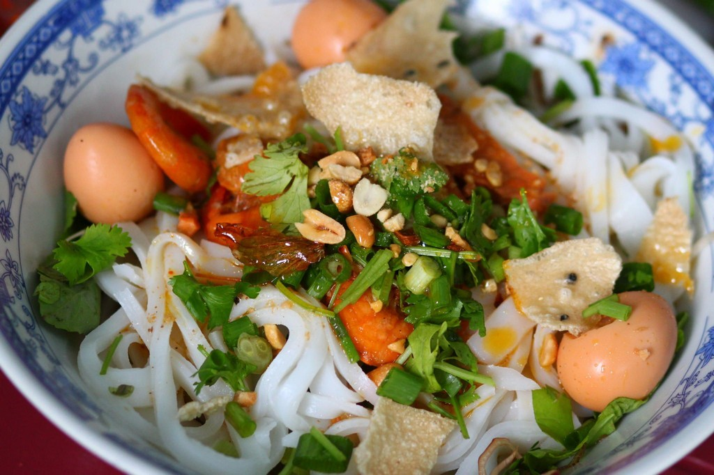 Hoi An food guide — 10 Hoi An dishes you must-try & best places to find them - Living + Nomads – Travel tips, Guides, News & Information!