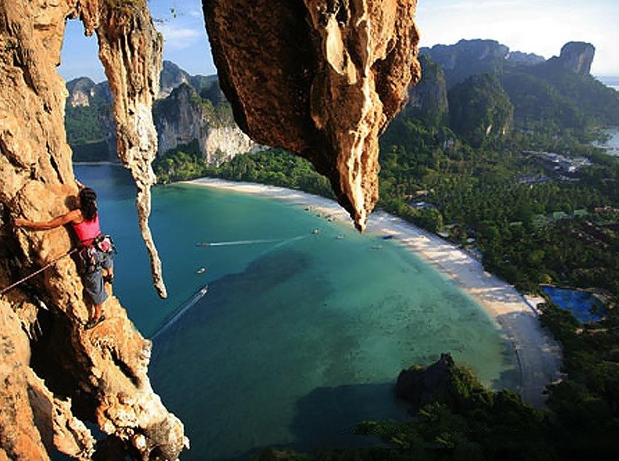 Mountain climbing in Krabi Photo: roomsatkrabi