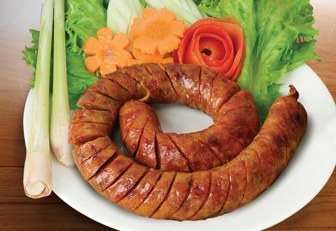 sao oua sausages lao food