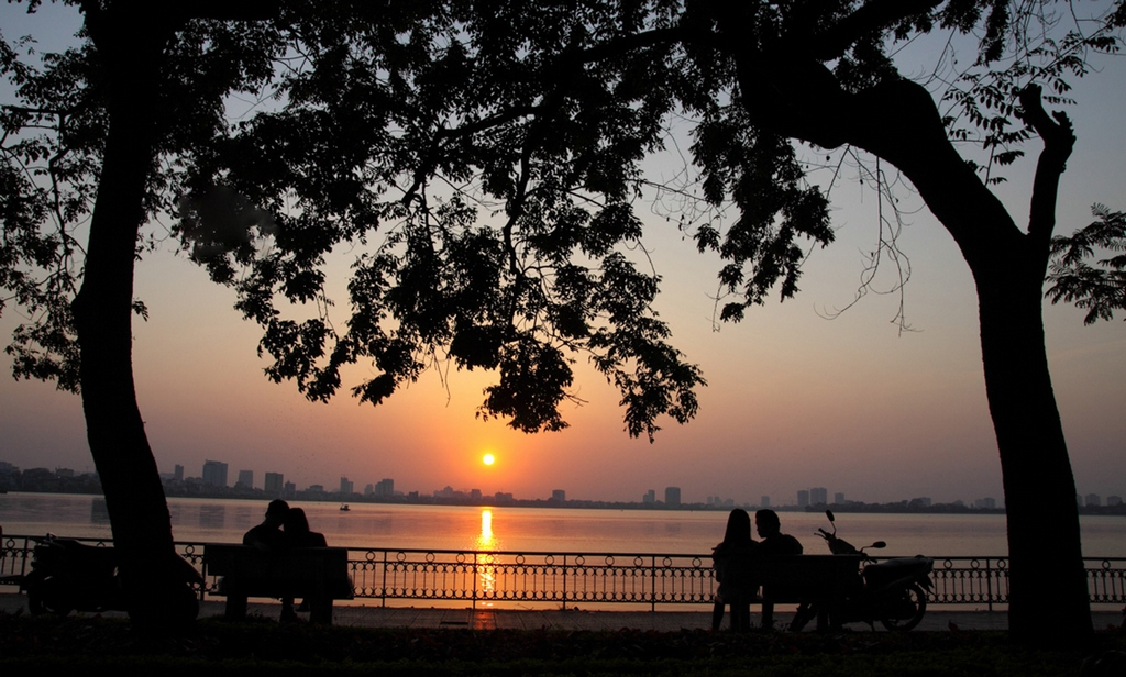 sunset at ho tay west lake hanoi yt