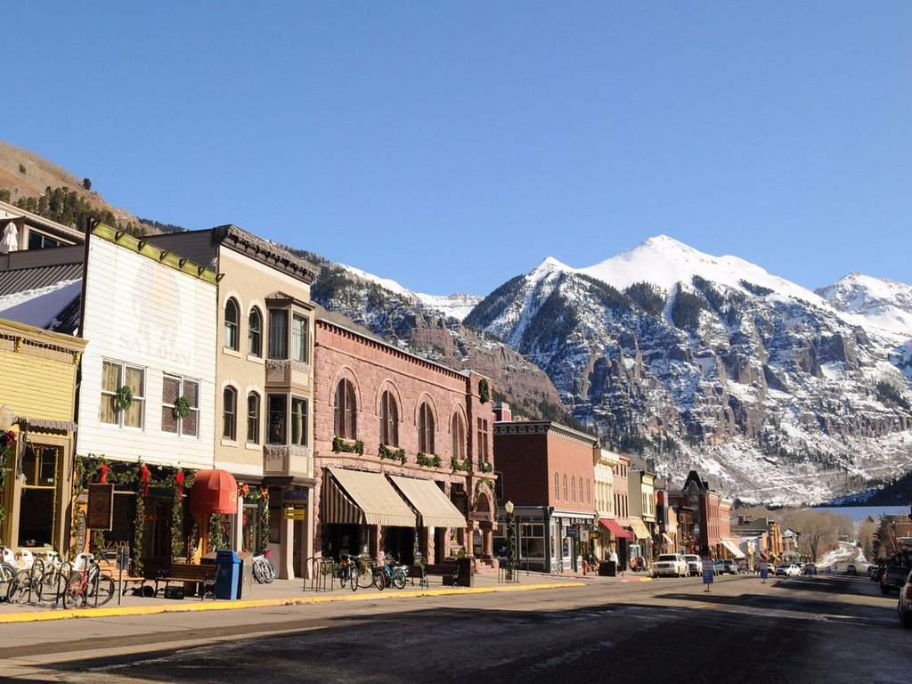 22 most beautiful small towns in the world you must visit for Best small towns to live in colorado