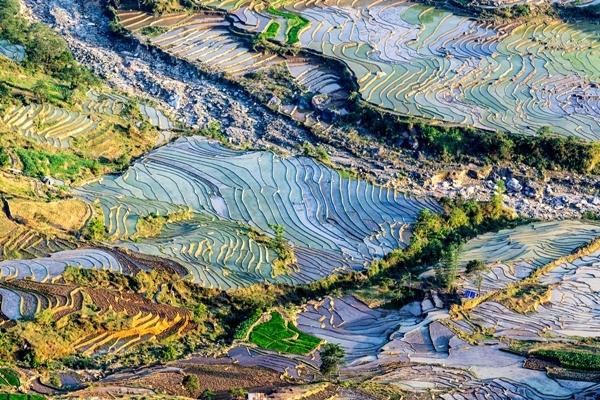 terraced-rice-fields-in-Y-Ty