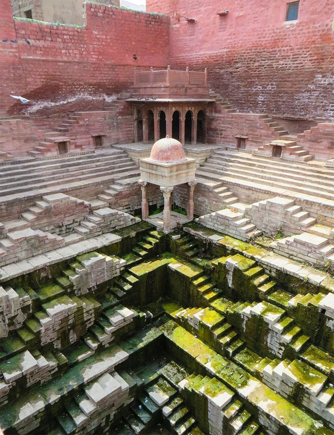the-beauty-of-Indias-underground-wells-india-tourist-attractions
