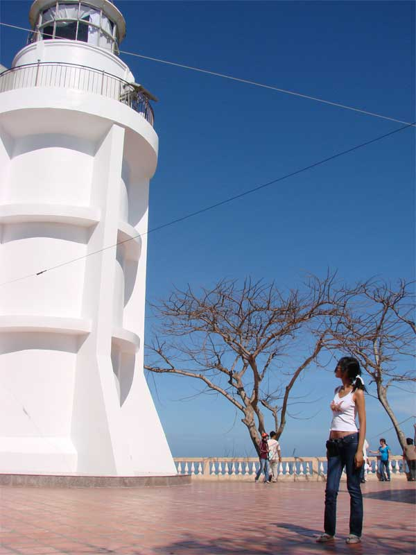 vung tau light house attraction guide review opening hours ticket fees address things to do in vung tau vietnam (5)