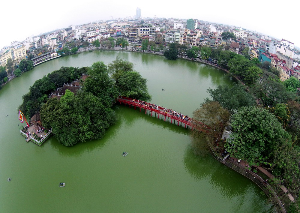 Hoan Kiem lake see from above. Image by bwhere.vn