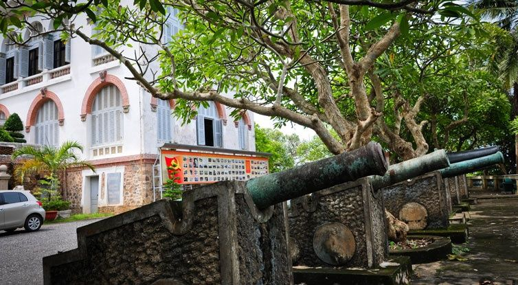 white palace vung tau vietnam guide bach dinh vung tau things to do attractions address white villa