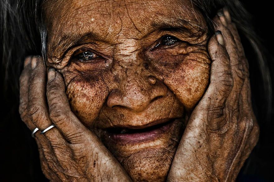 103-Year-Old Lady From The Rengao Ethnic Group Eyes-are-windows-of-the-soul