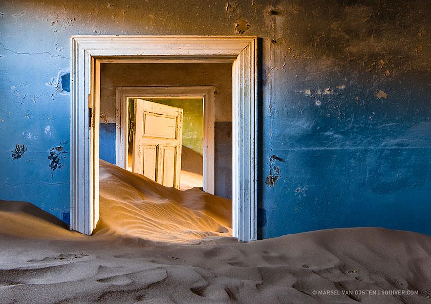 Image by Marsel Van Oosten