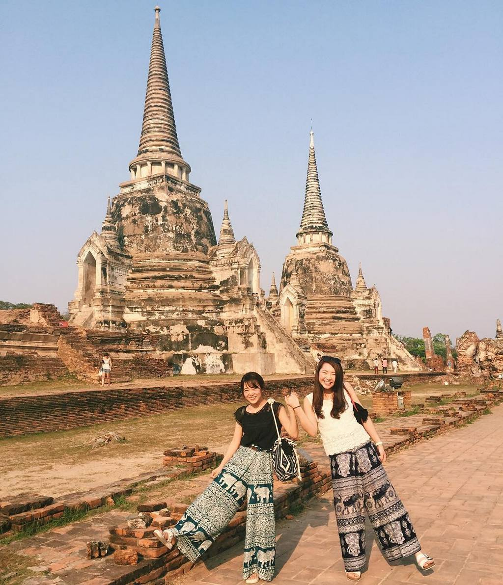 Ayutthaya thai history travel tip old temple friends girls must-go destination